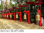 Chiang Mai, Wat Phan Tao. Sacral bells. Thailand. Стоковое фото, фотограф J M Barres / age Fotostock / Фотобанк Лори