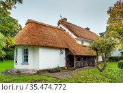 Hiastorical hous with a straw roof in Adare, Ireland. Стоковое фото, фотограф Zoonar.com/Boris Breytman / easy Fotostock / Фотобанк Лори