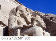 20 metre statues of Rameses II, ruler  of Egypt c1304-1273 BC, in... Редакционное фото, агентство World History Archive / Фотобанк Лори