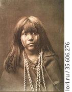 Native American Indian girl.   Photograph by Edward Curtis (1868-... Редакционное фото, агентство World History Archive / Фотобанк Лори