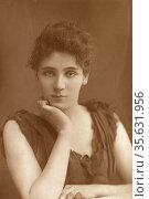 'Elisabeth Rrobins (1862-1952) American-born actress, playwright, ... Редакционное фото, агентство World History Archive / Фотобанк Лори