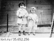 Louis & Lola ? - from Titanic Creator(s): Bain News Service, publisher... Редакционное фото, агентство World History Archive / Фотобанк Лори