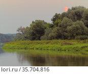 Poland. Moonrise over Bug river. Стоковое фото, фотограф Piotr Ciesla / age Fotostock / Фотобанк Лори