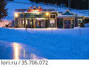 Evening at Silver Star ski resort near Vernon, BC, Canada. Стоковое фото, фотограф Douglas Williams / age Fotostock / Фотобанк Лори