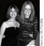 Marlo Thomas, Gloria Steinem 1980 Photo By John Barrett/PHOTOlink (2008 год). Редакционное фото, фотограф Photo By John Barrett/PHOTOlink / age Fotostock / Фотобанк Лори