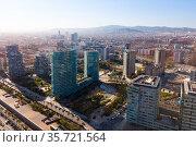 Aerial view of Diagonal Mar i el Front Maritim del Poblenou, Barcelona. Стоковое фото, фотограф Яков Филимонов / Фотобанк Лори