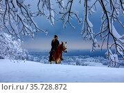 Reiten im Winter auf dem Steinigen Tisch bei Thal SGBlick auf den... Стоковое фото, фотограф Christof Sonderegger / age Fotostock / Фотобанк Лори