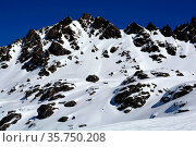 Mountains and snow and a paradise for off trail, wilderness skiing... Стоковое фото, фотограф Neil Harrison / age Fotostock / Фотобанк Лори