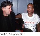 Robert DiNiro Toukie Smith 1989.Photo By John Barrett/PHOTOlink (2008 год). Редакционное фото, фотограф Photo By John Barrett/PHOTOlink / age Fotostock / Фотобанк Лори