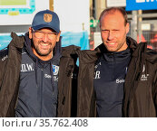 Cheftrainer Claus-Dieter Wollitz mit Co-Trainer Rene Renno 1.FC Magdeburg... Стоковое фото, фотограф Zoonar.com/Axel Kammerer / age Fotostock / Фотобанк Лори
