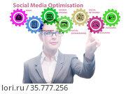 Social media optimisation concept with businesswoman. Стоковое фото, фотограф Elnur / Фотобанк Лори