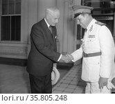 Secretary of State Cordell Hull bids goodbye to General Pedro Aurelia Goes Monteiro. Редакционное фото, агентство World History Archive / Фотобанк Лори