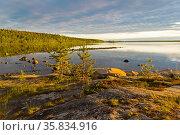 Evening on the White Sea. Kandalaksha Gulf, Karelia, Russia, end ... Стоковое фото, фотограф Zoonar.com/Sergey Rybin / age Fotostock / Фотобанк Лори