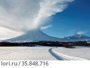 Beautiful volcanic landscape of Kamchatka: evening view of eruption... Стоковое фото, фотограф Zoonar.com/Alexander A. Piragis / age Fotostock / Фотобанк Лори