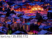 Zermatt, Switzerland - October 7, 2019: Town night aerial view in... Стоковое фото, фотограф Zoonar.com/Nataliya_Nazarova{} / age Fotostock / Фотобанк Лори
