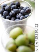 Blueberry and olive. Стоковое фото, агентство Ingram Publishing / Фотобанк Лори