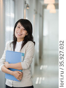 Female office worker. Стоковое фото, фотограф Shannon Fagan / Ingram Publishing / Фотобанк Лори