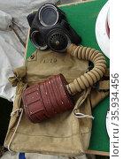 First world war gas mask, worn during gas attacks. Редакционное фото, агентство World History Archive / Фотобанк Лори
