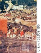 Painting titled 'Falconry' by Ambrogio Lorenzetti. Редакционное фото, агентство World History Archive / Фотобанк Лори