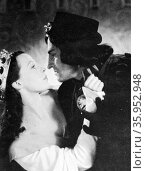 Film still from Richard III (1955) film starring Sir Laurence Olivier and Claire Bloom (2016 год). Редакционное фото, агентство World History Archive / Фотобанк Лори