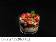 Strawberry with cookie and cream dessert. Стоковое фото, фотограф Jan Jack Russo Media / Фотобанк Лори