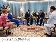 King Rama IX of Thailand and Barack Obama 2012. Редакционное фото, агентство World History Archive / Фотобанк Лори