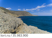 Небольшая бухта на южной оконечности мыса Меганом. Крым. Стоковое фото, фотограф Сергей Рыбин / Фотобанк Лори