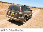 Toyota Land Cruiser Prado 120. Редакционное фото, фотограф Art Konovalov / Фотобанк Лори