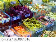 Pickled vegetables marinades at the turkish market. Стоковое фото, фотограф Яков Филимонов / Фотобанк Лори