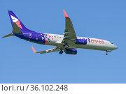 Boeing 737-800 (VP-BAM) авиакомпании Smartavia перед посадкой в аэропорту Пулково. Редакционное фото, фотограф Виктор Карасев / Фотобанк Лори