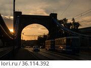 """Poland, Wroclaw - Traffic on the Most Grunwaldzki bridge over the Oder, from 1910 then the Kaiserbruecke bridge"" (2018 год). Редакционное фото, агентство Caro Photoagency / Фотобанк Лори"