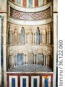 The Mihrab (prayer niche) in the Al-Nasir Muhammad Mosque - Cairo... Стоковое фото, фотограф Stefano Ravera / age Fotostock / Фотобанк Лори