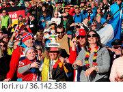 Volltreffer: die deutschen Biathlonfans durften am Samstag mit zwei... Стоковое фото, фотограф Zoonar.com/Joachim Hahne / age Fotostock / Фотобанк Лори