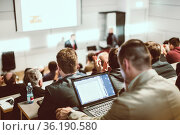 Business speaker giving a talk at business conference event. Стоковое фото, фотограф Matej Kastelic / Фотобанк Лори