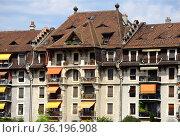 Traditional Swiss tenement house, Suisse Romandie, Swiss Romandy, ... Стоковое фото, фотограф Danuta Hyniewska / age Fotostock / Фотобанк Лори