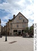 Дижон, Франция. Вид площади Jean Mace (2017 год). Редакционное фото, фотограф Rokhin Valery / Фотобанк Лори