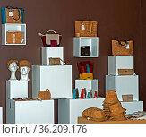 Verkaufausstellung für aus Korkleder gefertigte Produkte der Marke... Стоковое фото, фотограф Zoonar.com/Georg / age Fotostock / Фотобанк Лори