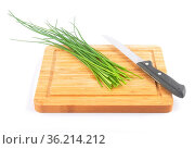 Schnittlauch mit Messer auf Schneidebrett - Chives with table knife... Стоковое фото, фотограф Zoonar.com/lantapix / easy Fotostock / Фотобанк Лори