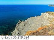 Felsige Steilküste bei Luz, Algarve, Portugal / Rocky cliff near Luz... Стоковое фото, фотограф Zoonar.com/Mike / easy Fotostock / Фотобанк Лори