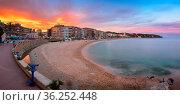 LLORET DE MAR, SPAIN - JUNE 20, 2016: Panorama of Lloret de Mar Seafront... Стоковое фото, фотограф Zoonar.com/Andrey Omelyanchuk / age Fotostock / Фотобанк Лори