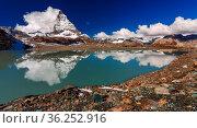 Theodulgletschersee - Trockener Steg - Zermatt. Matterhorn Glacier... Стоковое фото, фотограф Zoonar.com/Bernhard Klar / age Fotostock / Фотобанк Лори