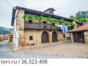 Facade of traditional house. Barcenillas, Cantabria, Spain. Стоковое фото, фотограф María Galán / age Fotostock / Фотобанк Лори