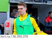 Nur auf der Ersatzbank gegen seinen Ex-Verein: Matthias Ginter (Dortmund... Стоковое фото, фотограф Zoonar.com/Joachim Hahne / age Fotostock / Фотобанк Лори