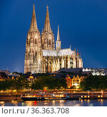 Night View Of Cologne Cathedral, Germany. Europe. Стоковое фото, фотограф Ryhor Bruyeu / easy Fotostock / Фотобанк Лори