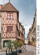 Street with historical half-timbered houses in Dijon, France. Стоковое фото, фотограф Zoonar.com/Boris Breytman / easy Fotostock / Фотобанк Лори