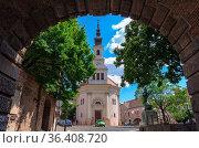 Lutheran Church of Budavár photographed through the Gate Vienna (Bécsi... Стоковое фото, фотограф Zoonar.com/Laszlo Konya / easy Fotostock / Фотобанк Лори
