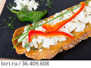 Toast with soft cheese and bell pepper. Стоковое фото, фотограф Яков Филимонов / Фотобанк Лори