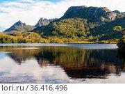 Tranquil Lake Lilla in the Cradle Mountain-Lake St Clair National... Стоковое фото, фотограф Zoonar.com/Laszlo Konya / easy Fotostock / Фотобанк Лори