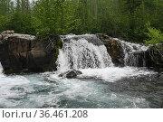Плато Путорана, водопад на ручье Хариусном. Стоковое фото, фотограф Сергей Дрозд / Фотобанк Лори