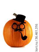 Pumpkin gentleman on Halloween. Стоковое фото, фотограф Иван Михайлов / Фотобанк Лори